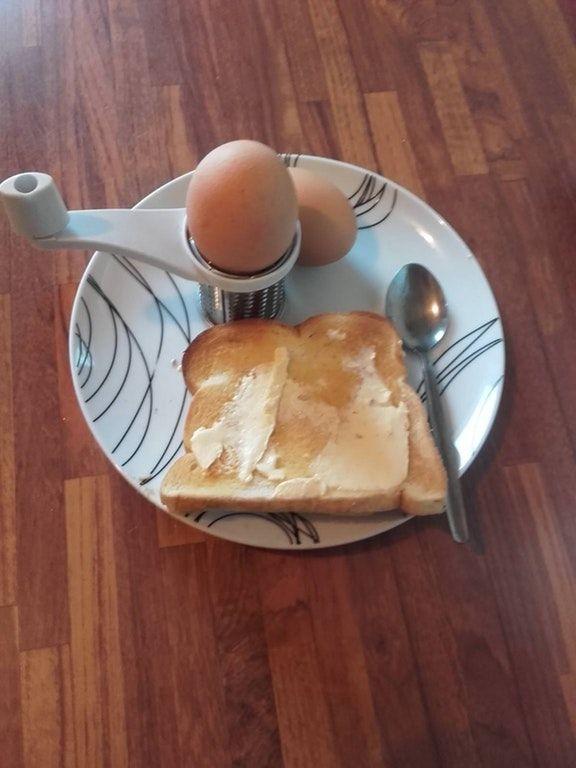 朝食 画像 炎上 スプーン バターに関連した画像-03