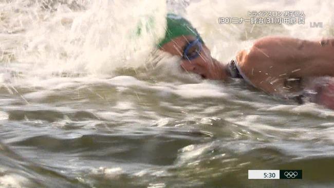 東京五輪 トライアスロン スタート ボート 嘔吐 汚水に関連した画像-03