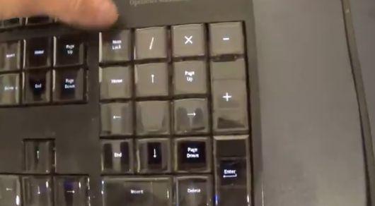 有機ELディスプレイ  キーボード Optimus Maximusに関連した画像-03