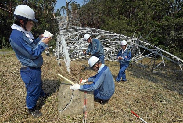 千葉の復旧作業員さん、地元民から「お前らに食べさせるものはない」「休んでる場合か」などと罵られていた…