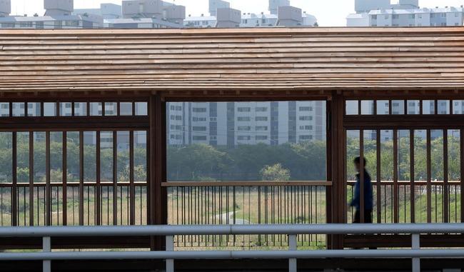 韓国 橋 7700万円 デザイン 日本風 批判殺到に関連した画像-01