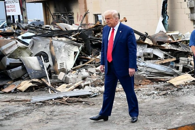 トランプ大統領 ウィスコンシン州 ケノーシャ 訪問 BLM暴動 戦場に関連した画像-05