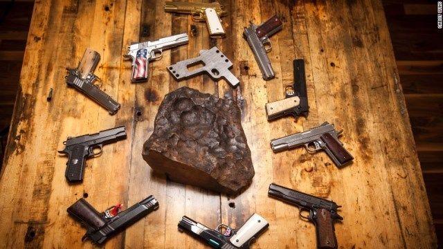 拳銃 隕石に関連した画像-03