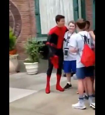 スパイダーマン ディズニーランド トムホランドに関連した画像-04