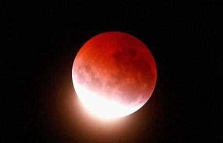 スーパームーン 皆既月食 NASAに関連した画像-01