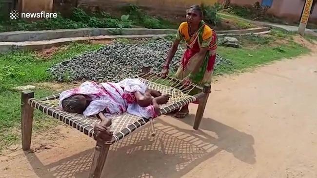 インド 給付金 寝たきりの母 に関連した画像-03
