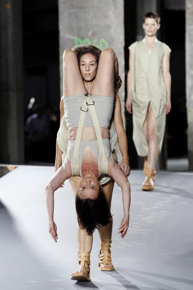 パリコレ ファッションに関連した画像-05