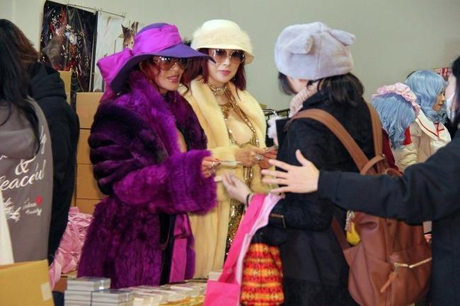 ファビュラス 叶姉妹 冬コミ サークル参加 神対応 に関連した画像-01