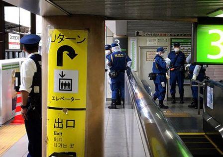 秋葉原駅 通り魔 傷害事件 犯人 逃走中 警戒 警察 に関連した画像-01