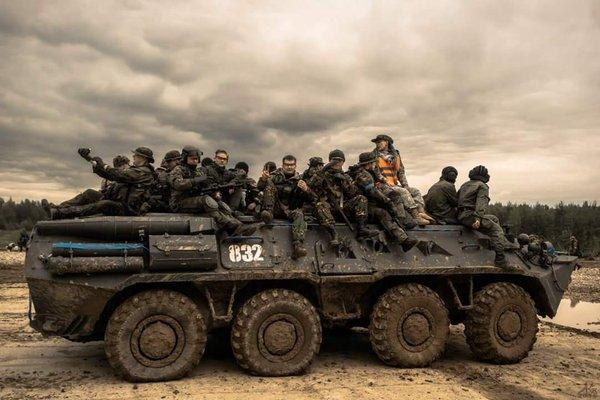 ロシア サバゲー 戦車 4500人 砲撃 爆破に関連した画像-03