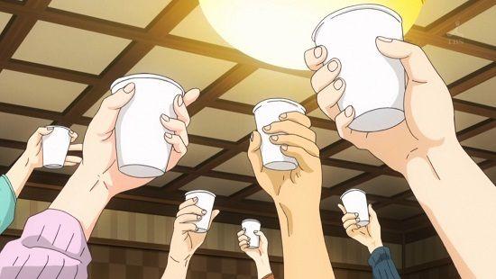 外国人「 4人 酒瓶 乾杯 錯視 迷彩柄 カモフラージュに関連した画像-01