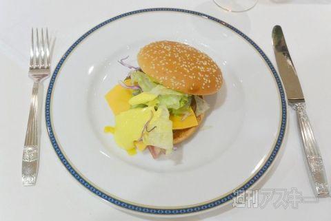 マクドナルド コース料理 迷走に関連した画像-05