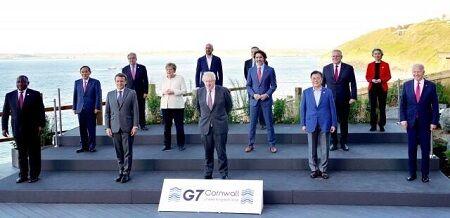 韓国さん、首脳の集合写真を改ざんして南アフリカ大統領を削除→菅首相を隅にして存在をアピールしてしまう