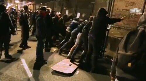 ホワイトハウス BLM デモ 暴動 衝撃映像公開に関連した画像-10