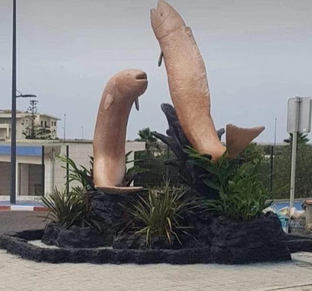 モロッコ魚彫像卑猥苦情に関連した画像-03