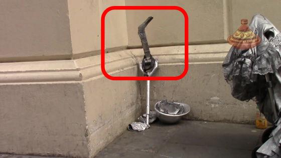 ロンドン ストリートパフォーマー シルバーマンに関連した画像-04