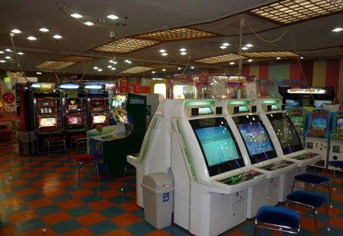 ゲーセン ゲームセンター シューティングゲーム お爺さん フリーズ リセットに関連した画像-01
