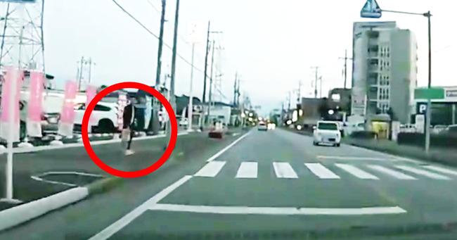 横断歩道 車 ドライバー 称賛の声 信号に関連した画像-01