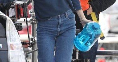 海外セレブ クソデカ水ボトル ファッション 環境問題に関連した画像-01