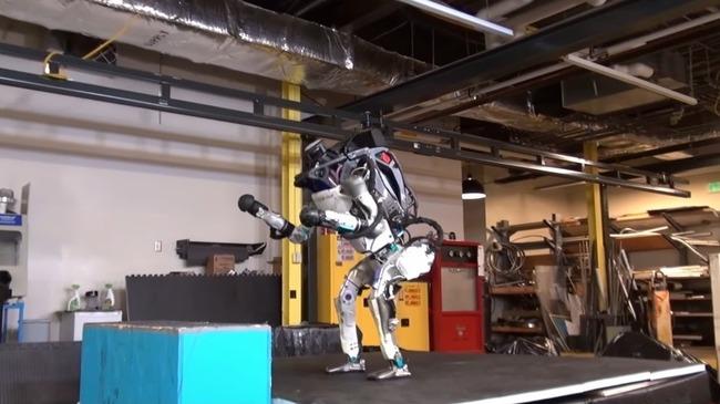 人型ロボット Atlas バク宙に関連した画像-06