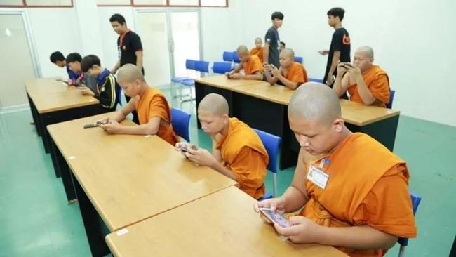 eスポーツ タイ 高校生 僧侶 優勝に関連した画像-03