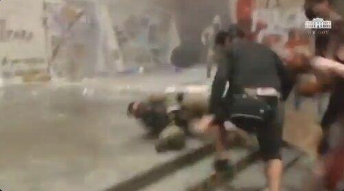 ホワイトハウス BLM デモ 暴動 衝撃映像公開に関連した画像-06