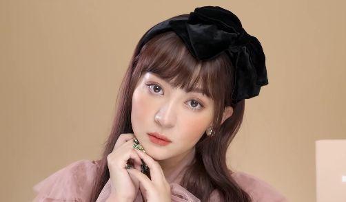 【動画】美人ユーチューバー「福島の印象?原発…w」 → 炎上してしまう