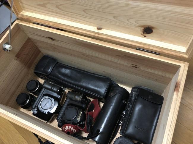 遺品 整理 急遽 父 部屋 掃除 偽装 箱 宝物 カメラ レンズに関連した画像-05