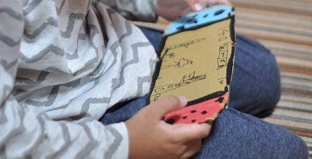 【感動】『ニンテンドースイッチ』を買ってもらえない子供がダンボールでスイッチを自作!→お父さん、そのスイッチにこっそりとんでもない改造を施すwwwwww