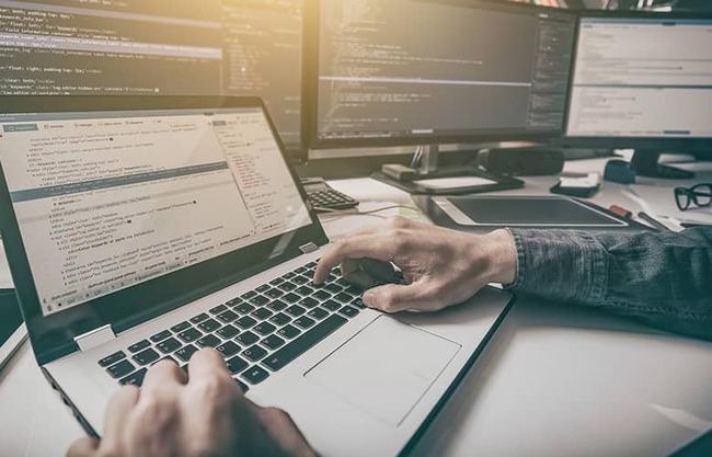 IT エンジニア ソースコード 修正 バグに関連した画像-01