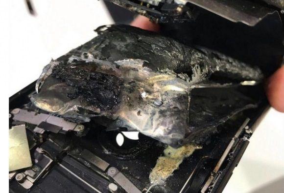 iPhone7 スワイプ 爆発 電話 端末に関連した画像-03