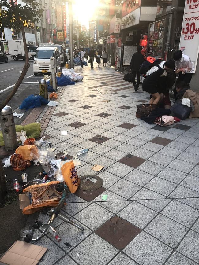 ハロウィン 渋谷 ゴミ ポイ捨てに関連した画像-05