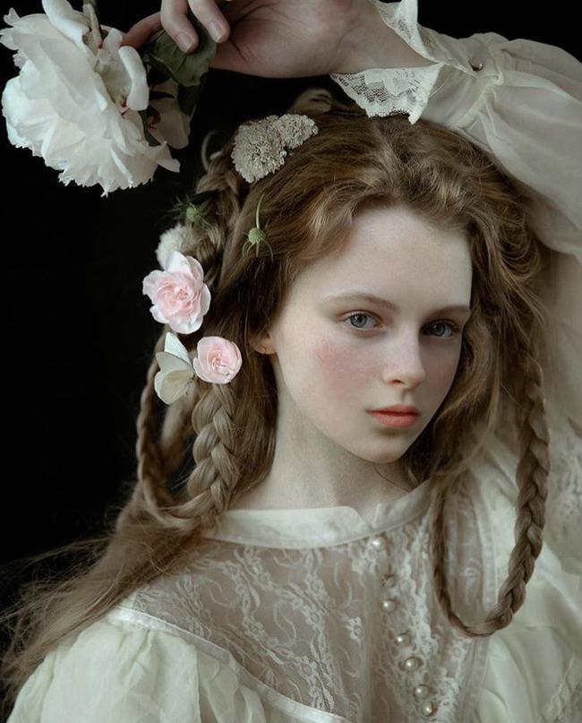 ミラナ・アンジェラバ 美女 絵画に関連した画像-04