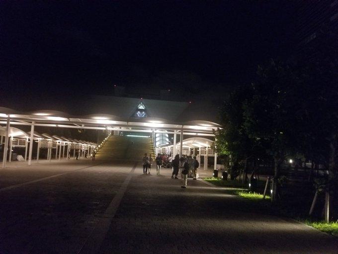 コミケ C96 徹夜組 東京ビッグサイトに関連した画像-06