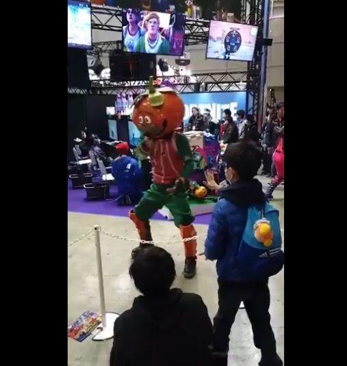 フォートナイト イベント 運営 神対応 エモート 少年に関連した画像-09
