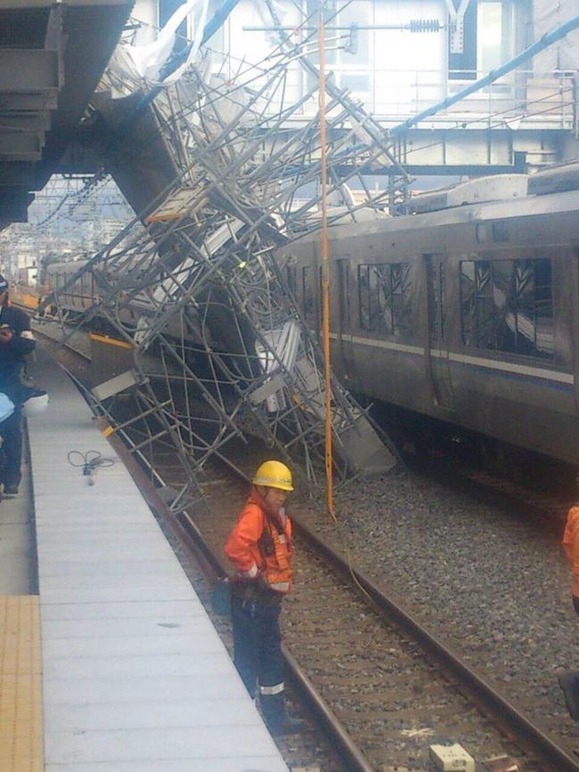 JR神戸線 運転見合わせ 電車 遅延 足場 落下物に関連した画像-02