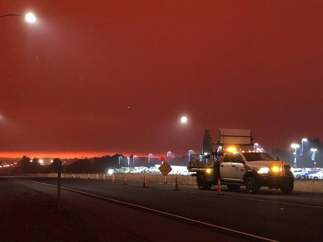 アメリカ 山火事 異界 SIREN 赤い 空に関連した画像-02
