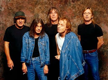 AC/DC に関連した画像-01