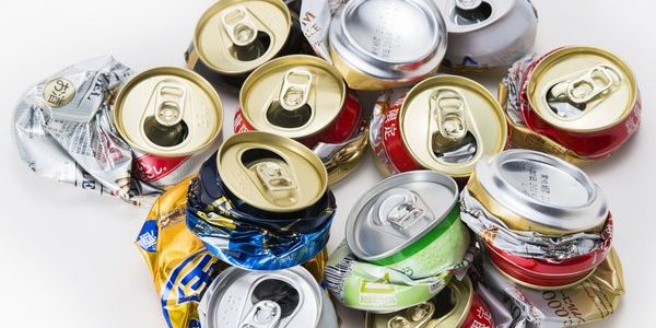 空き缶 ゴミ捨て場 回収 窃盗に関連した画像-01