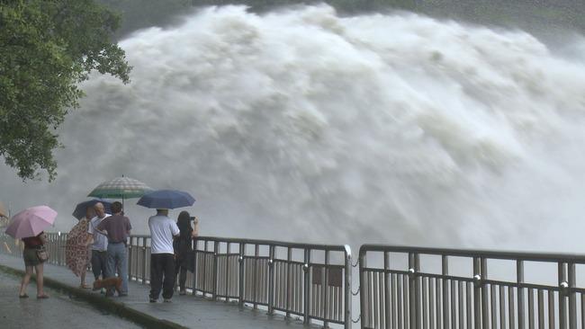 新潟県 水害記念イベント ダム 放流 サイレン 警告 親子 事故に関連した画像-01