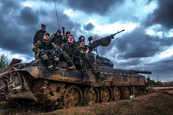 ロシア サバゲー 戦車 4500人 砲撃 爆破に関連した画像-02