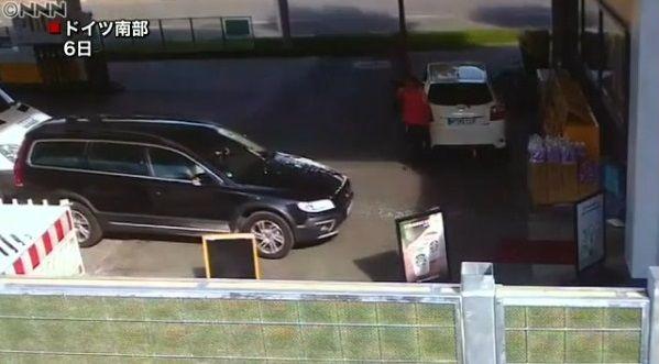 高齢ドライバー 事故 ガソリンスタンドに関連した画像-03
