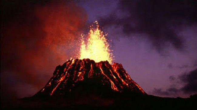 """【注意】富士山が300年ぶりに""""噴火スタンバイ状態""""に!さらに南海トラフ巨大地震は2030年代には必ず起こる模様"""
