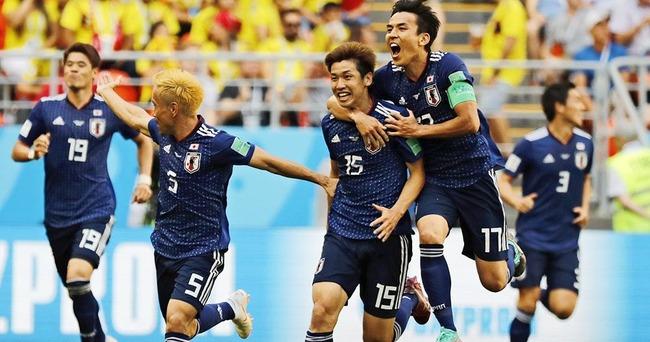 【速報】W杯サッカー日本代表、初戦コロンビアに「2-1」で勝利!!!