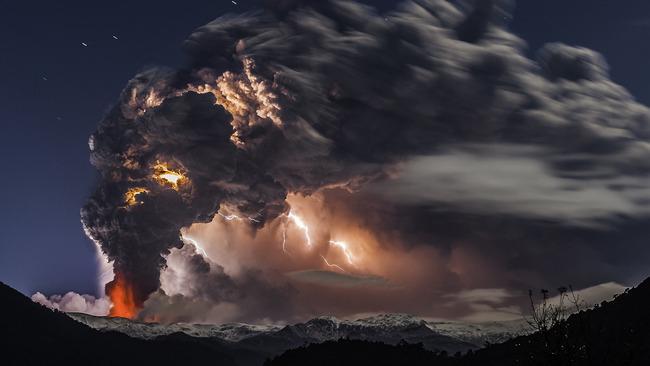 写真 神々しい 火山噴火 稲妻 火山雷に関連した画像-04
