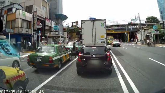 ドライブレコーダー 歩行者 車に関連した画像-04