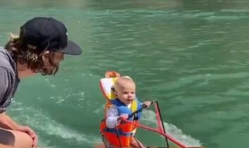 生後6ヶ月 赤ちゃん 水上スキー 世界記録樹立 虐待に関連した画像-01
