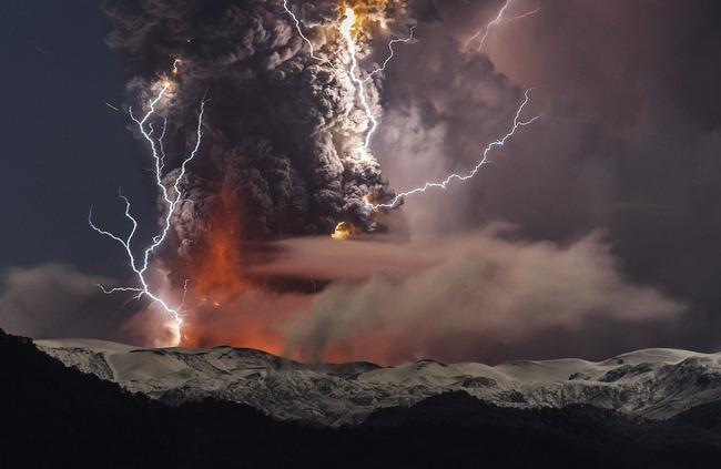 写真 神々しい 火山噴火 稲妻 火山雷に関連した画像-08