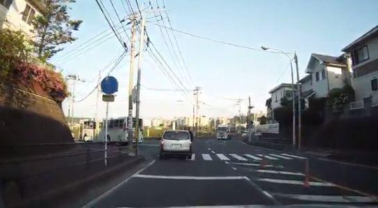 左折 右折 ドラレコ 運転 車に関連した画像-04