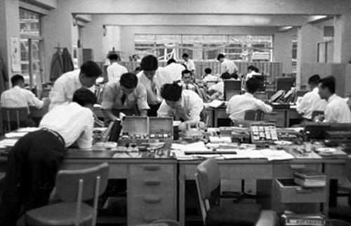 昭和 サラリーマン 羨ましい 終身雇用 令和に関連した画像-01